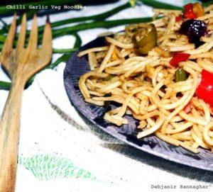 Chilli Garlic Veg Noodles Debjanir Rannaghar