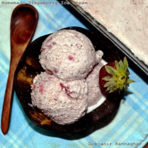 %Eggless Strawberry Ice Cream Recipe