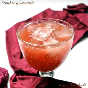 %Easy Strawberry Lemonade Recipe