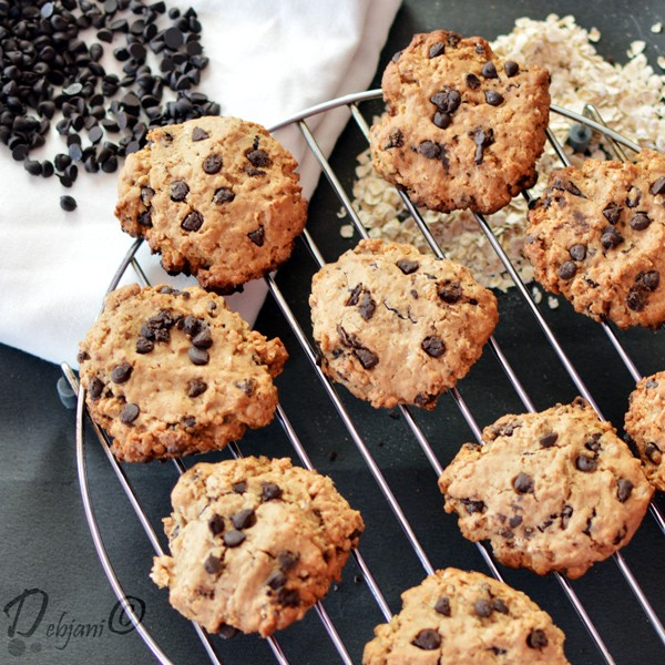 %Oatmeal and Chocolate Chip Cookies recipe