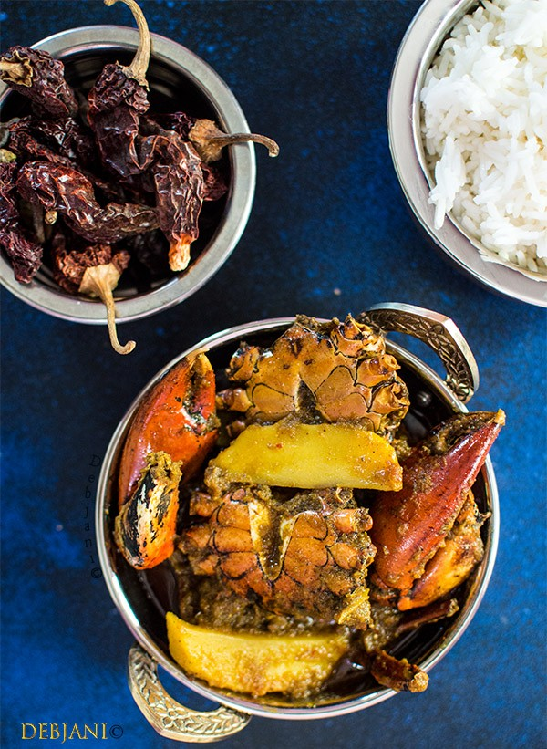 Kakrar jhal bengali crab curry debjanir rannaghar kakrar jhal or bengali crab curry is a gravy based curry prepared with crab and potato chunks and is a traditional bengali preparation of crab forumfinder Gallery