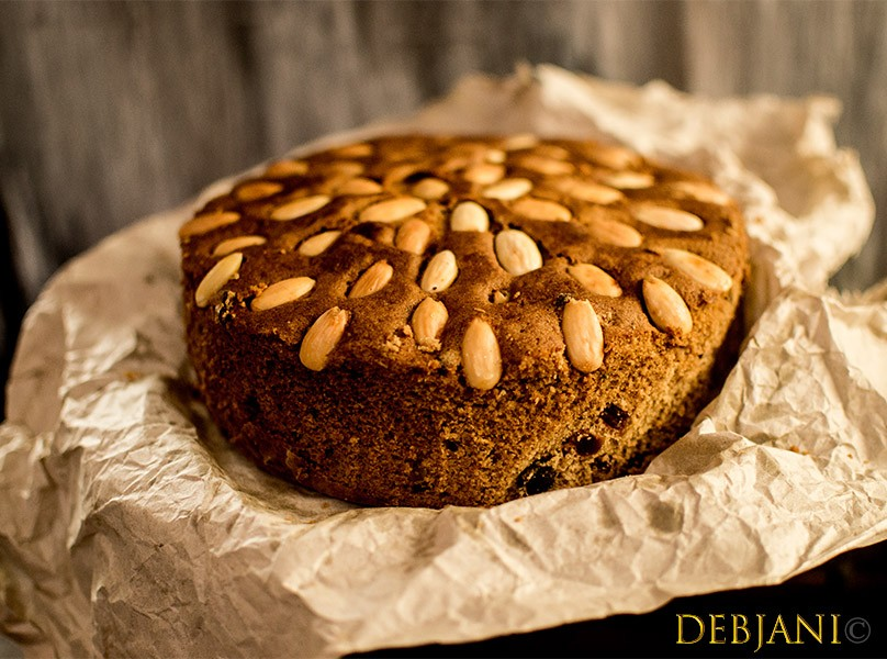 Traditional Scottish Dundee Cake; a substitute for Rich Fruit Cake?