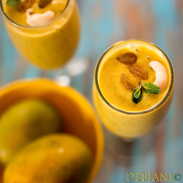 %Mango Date Smoothie