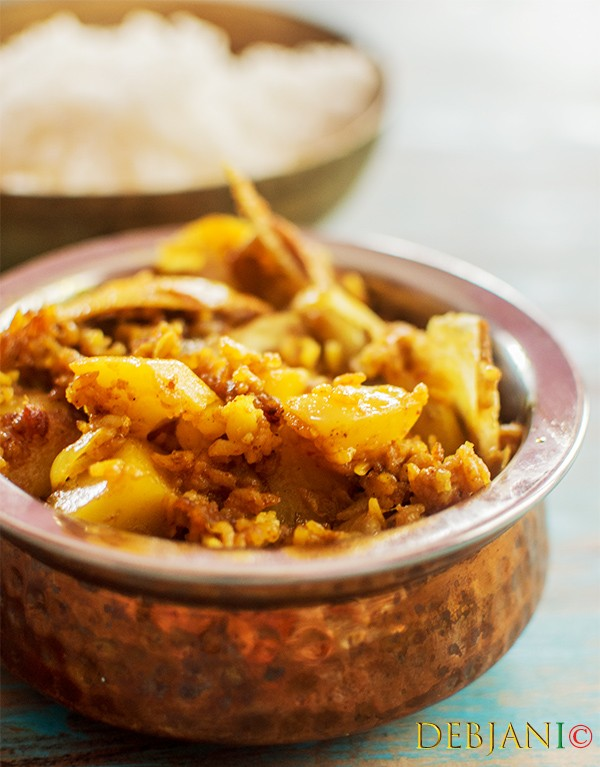 Muri ghonto recipe bengali mishmash with fish head and rice bengalis are known for their preference for eating rice however rice is not only prepared as the main dish but there are several side dishes prepared forumfinder Choice Image