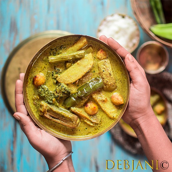Shukto recipe step by step bengali shukto recipe step by step shukto is a famous bengali mixed vegetarian dish served with rice forumfinder Image collections