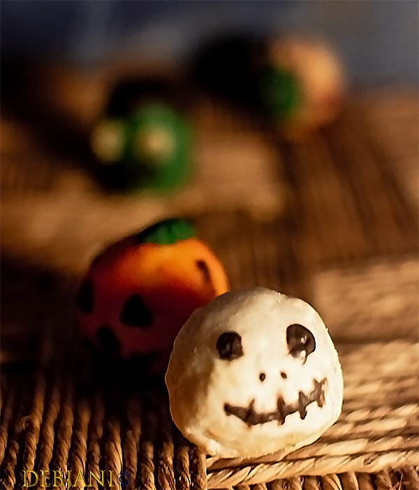 %Halloween Cake Pop Ghost