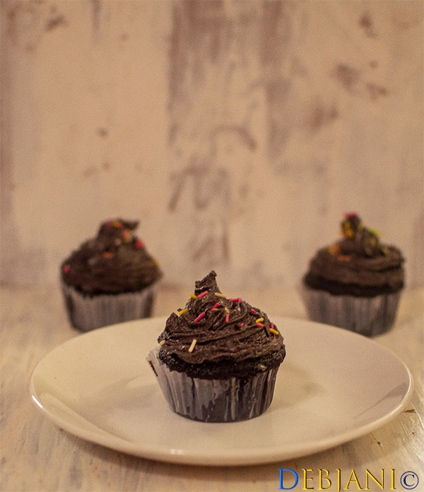%Chocolate Cupcake with Chocolate Buttercream Frosting Debjanir Rannaghar