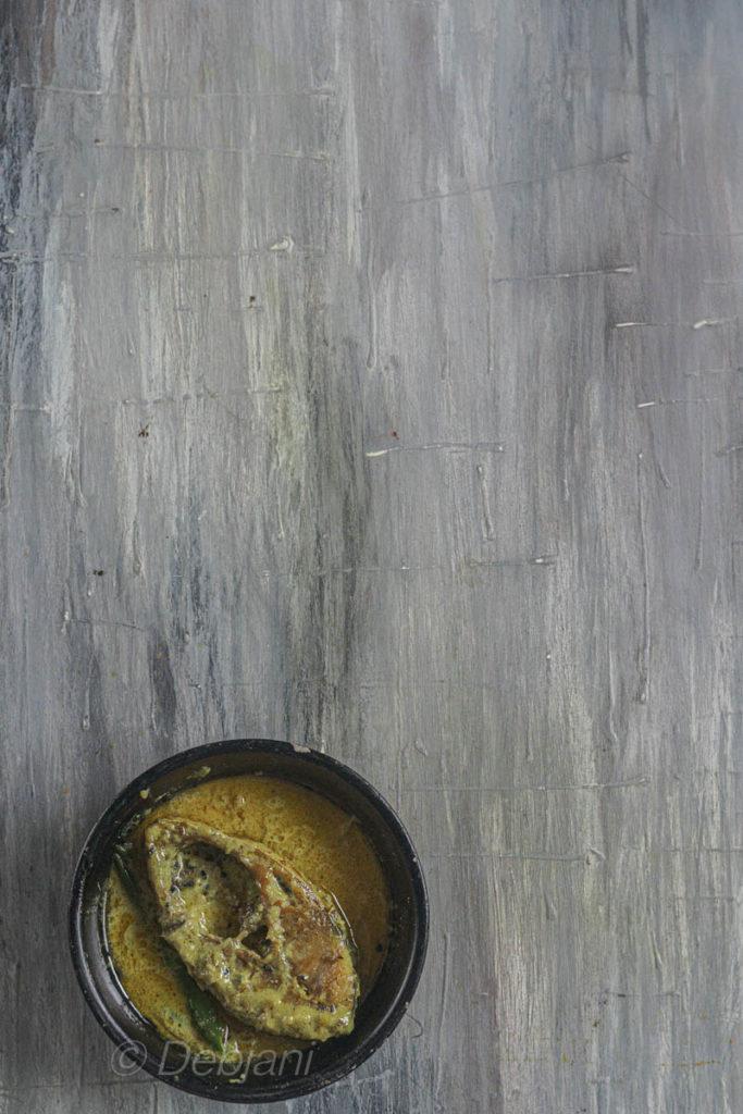 %bengali hilsa curry with milk recipe debjanir rannaghar